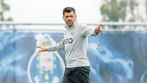 Sérgio Conceição perdeu o espaço de manobra após derrota