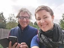 Julia Strauss, de 31 anos, e Bernd Hasenbank, de 72, são namorados