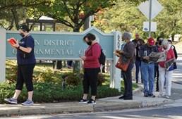 No estado da Virginia também se formaram longas filas para votar mais cedo