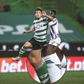 Duplo contacto: o defesa portista Zaidu toca nas costas e na perna do sportinguista Pedro Gonçalves, que acaba o lance em desequilíbrio
