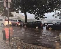 Em Vila Real, a chuva não deu tréguas, tornando muito difícil a circulação pela cidade