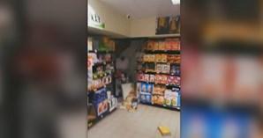 Supermercado nas Olaias ficou inundado