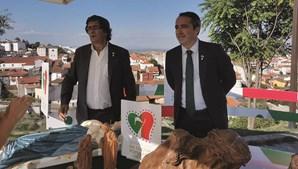 Sérgio Humberto, presidente da Câmara, à direita, aqui em promoção aos Santeiros de S. Mamede de Coronado