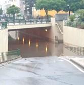 Em Olhão, a chuva inundou túnel