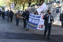 Cordão humano em Lisboa por mais direitos no setor dos transportes