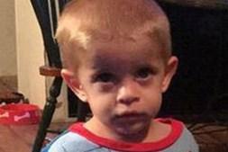 Mãe viu namorado matar o filho de dois anos e não fez nada. Foi condenada a 15 anos de prisão