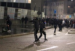 Manifestantes envolveram-se em confrontos com a polícia em Milão