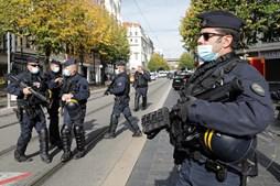 Ataque com faca em França