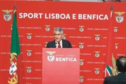 """Luís Filipe Vieira , no discurso de tomada de posse na madrugada de ontem, pediu aos benfiquistas que """"respeitem os resultados"""" das eleições"""