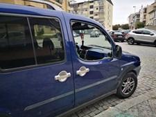 Viaturas vandalizadas na Rua Cassiano Branco, Porto