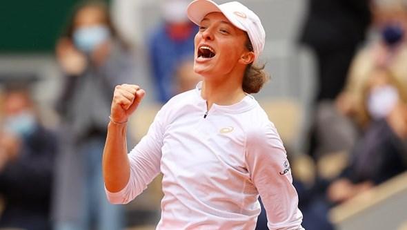 Vencedora de Roland Garros em isolamento após presidente polaco testar positivo à Covid-19