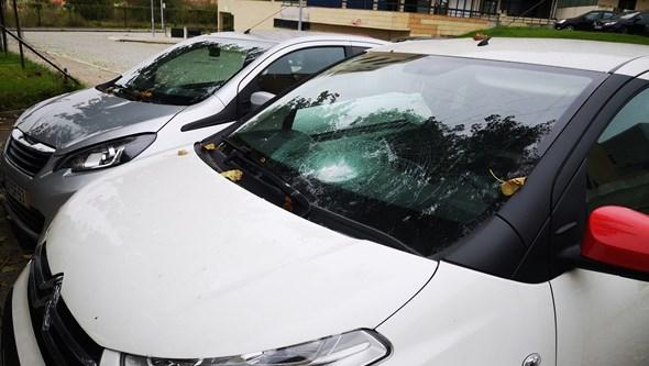 PSP investiga quatro viaturas vandalizadas no Porto. Veja as imagens
