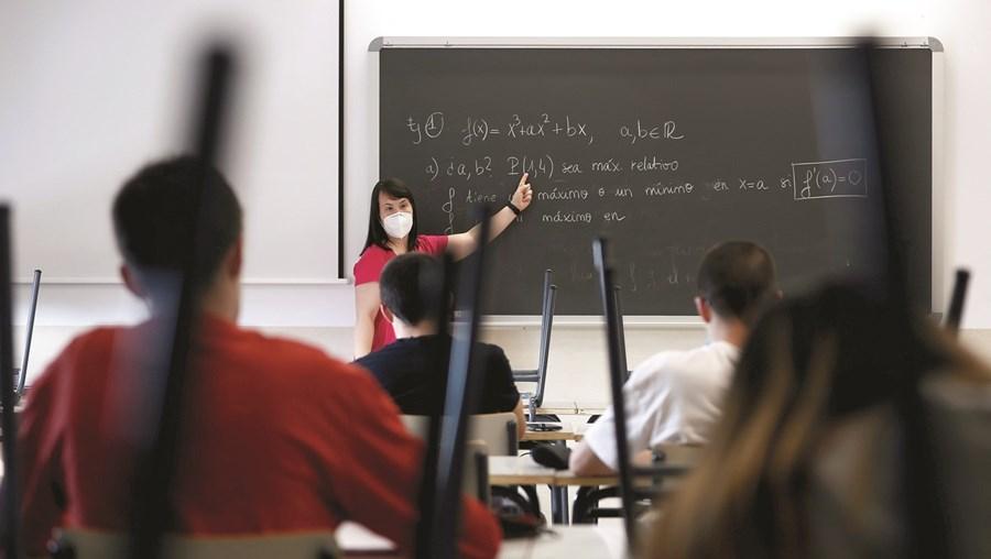 Estrutura sindical de professores critica atuação das autoridades nas escolas perante casos de infeção