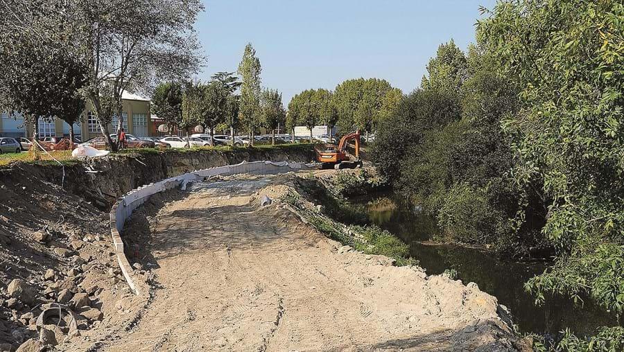 Encontram-se já em curso obras junto ao rio Leça entre a ponte de Moreira e a ponte da Pedra, num percurso de 6,9 km