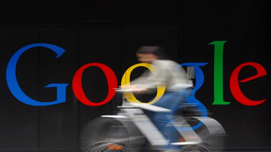 Empresas de tecnologia, como a Google, estão a ser acusadas de eliminarem negócios mais pequenos