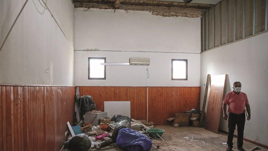 Casa do Povo da Abrunheira, em Montemor-o-Velho, ainda convive com os efeitos da tempestade 'Leslie'