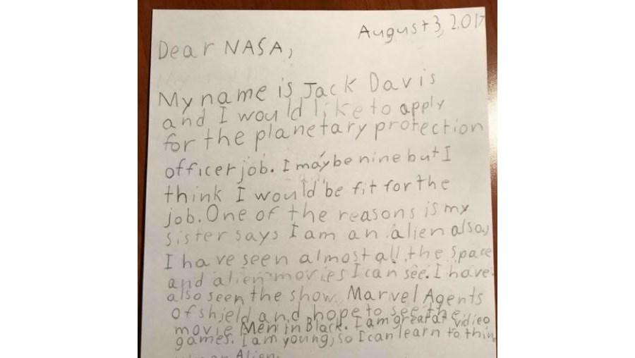 Menino de 9 anos escreve carta à NASA para proteger o planeta
