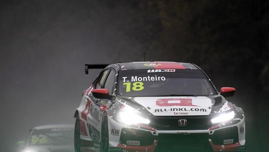 Carro de Tiago Monteiro no WTCR