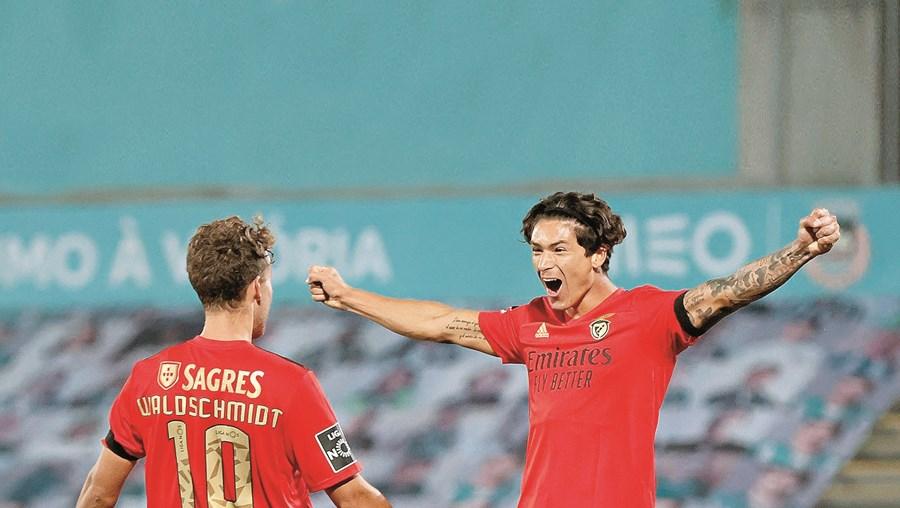 Darwin ainda festejou aquele que seria o seu primeiro golo no Benfica, mas o lance foi anulado