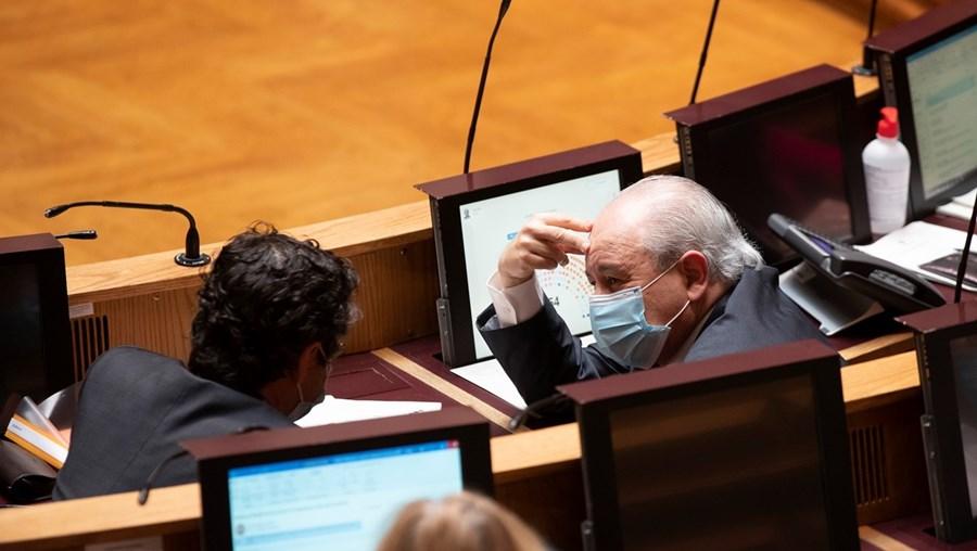 Rui Rio dará liberdade de voto à bancada social-democrata, evitando assim novas cisões no seio do partido