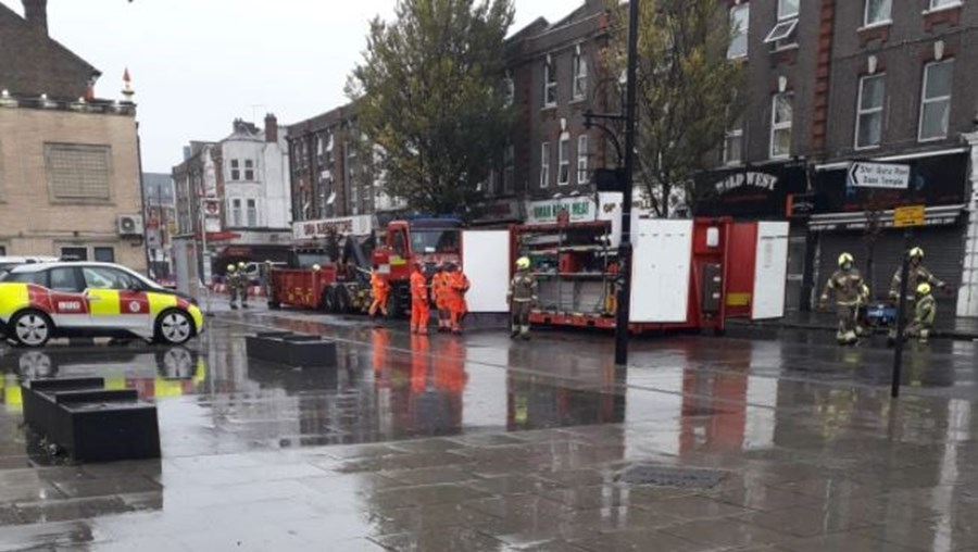 Prédio colapsa após explosão em Londres