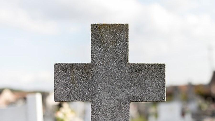 cemitério cruz