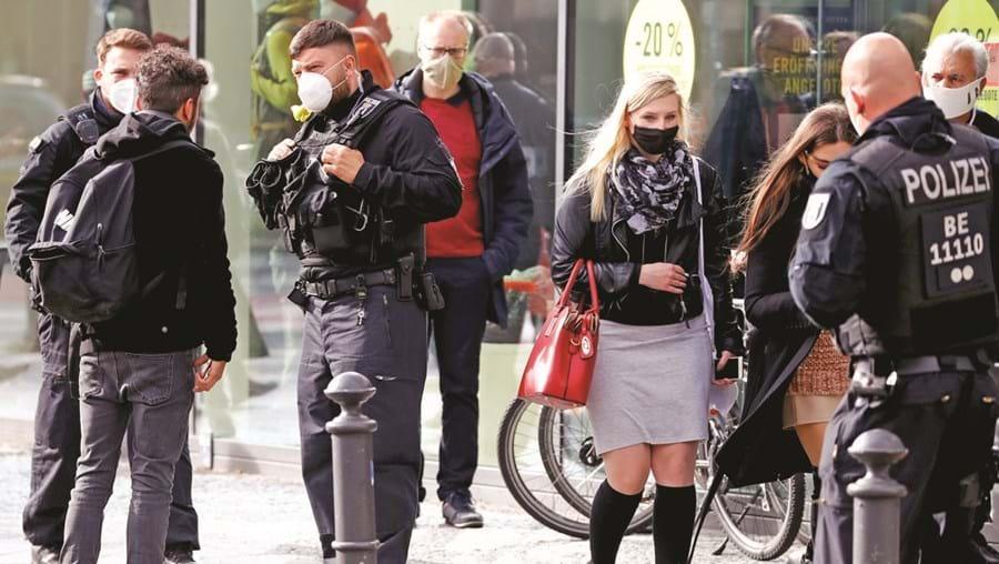 Berlim impôs o uso obrigatório de máscara nas ruas mais movimentadas