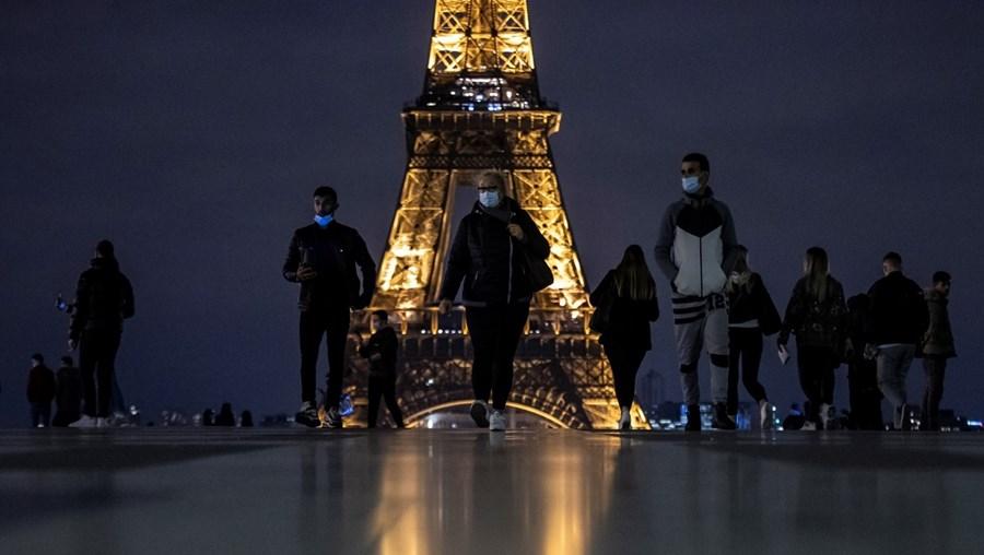 Emigrantes em França são quem mais contribui para as remessas