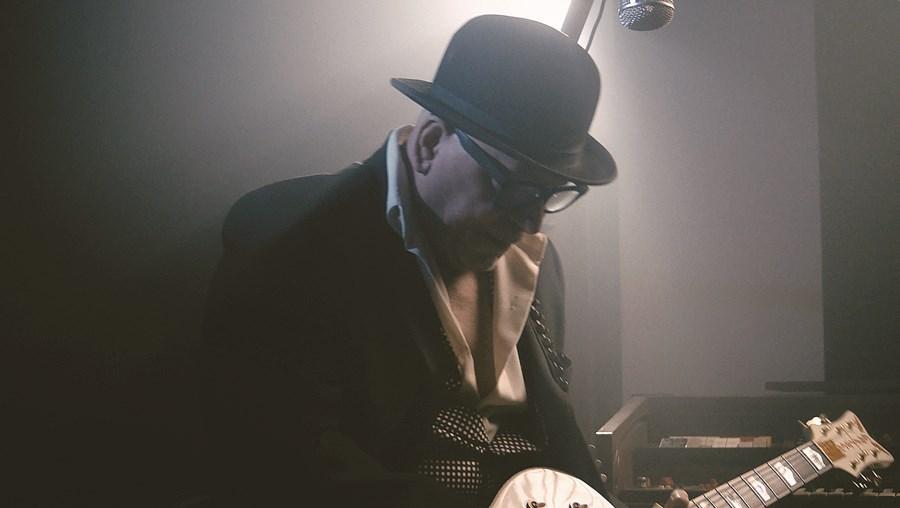 Paulo Gonzo está de volta aos discos e, também, aos concertos ao vivo