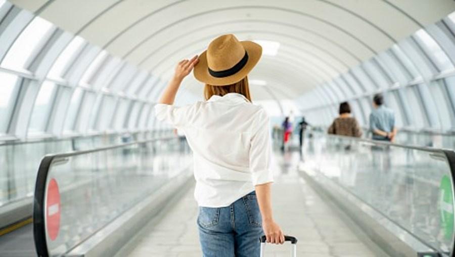 Passageira no aeroporto