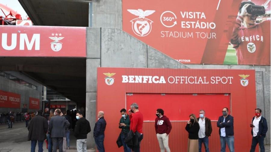 Eleições no Benfica a 9 de outubro