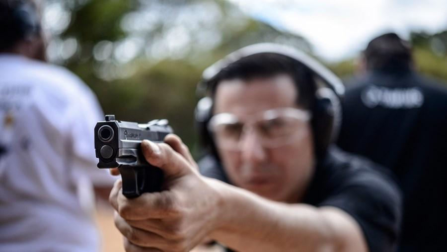 Só nos primeiros 10 meses deste ano os brasileiros compraram 139 mil armas de fogo