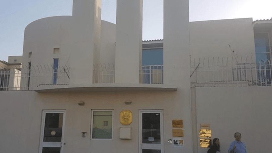 Guarda de consulado francês atacado à faca na Arábia Saudita em dia de atentados em França