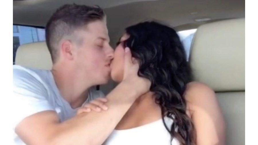 Casal com milhares de seguidores no TikTok choca as redes sociais ao anunciar que são...primos