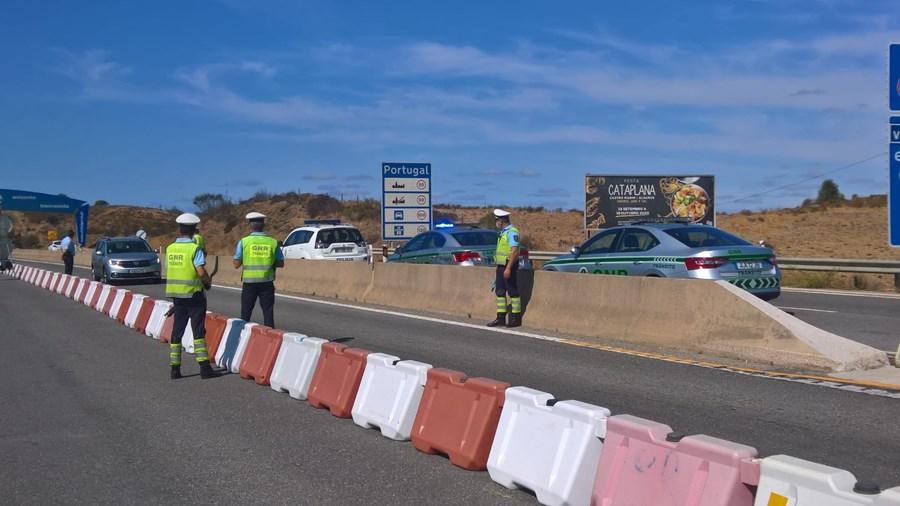 Operação stop da GNR na fronteira entre Espanha e Portugal na zona de Castro Marim para tentar capturar fugitivos marroquinos de Tavira