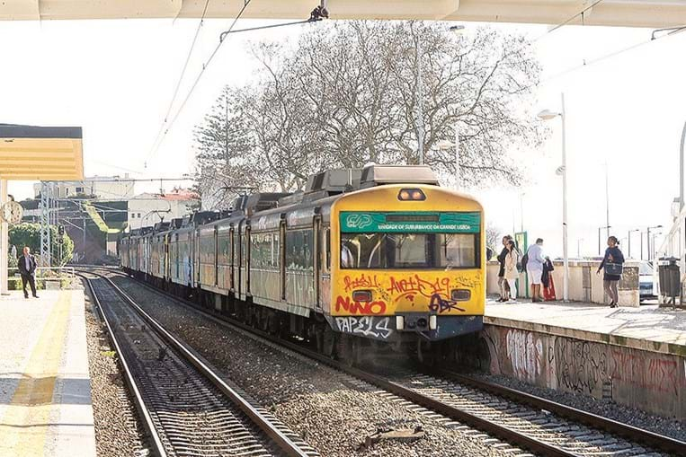 CP Comboios vai receber um financiamento do Estado para saldar empréstimos bancários
