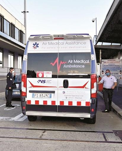 Craque transportado de ambulância para Turim