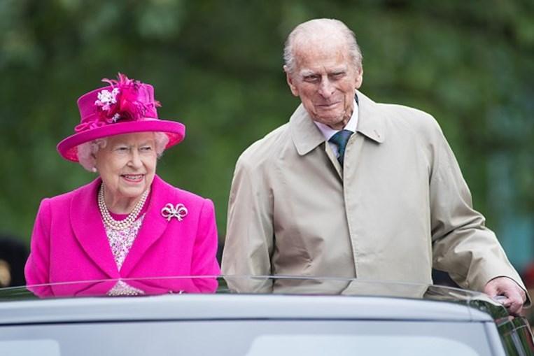 Rainha Isabel II e o príncipe Filipe, duque de Edimburgo