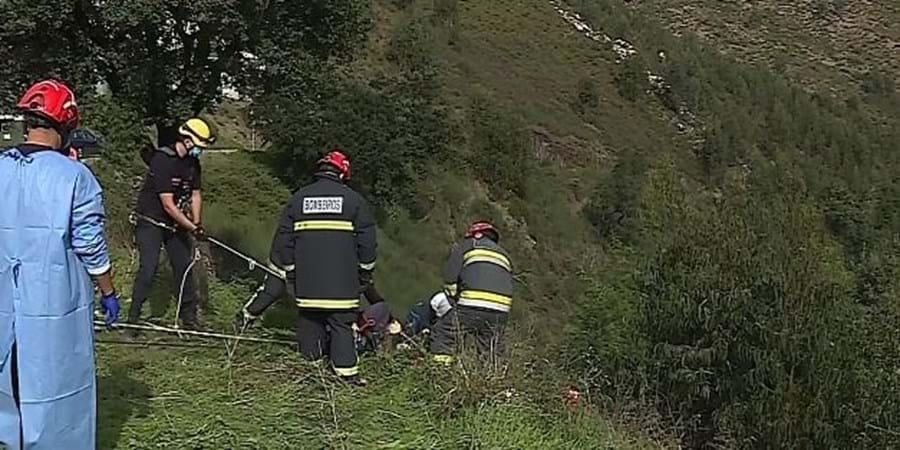 Homem resgatado após cair de ravina com 15 metros em Gondomar