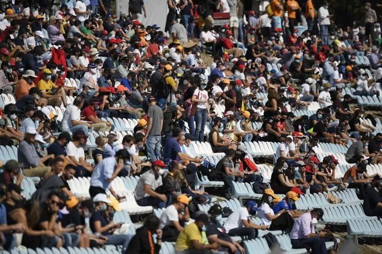 Bancadas cheias no Autódromo Internacional do Algarve, em Portimão.