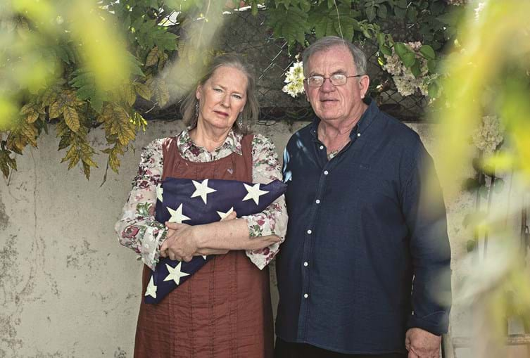Barbara Friedhoff está em Portugal há 40 anos e James Ross há 21. Já votaram Donald Trump em 2016 e agora tencionam repetir