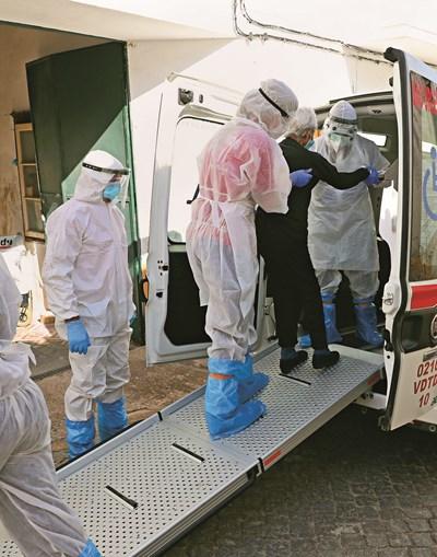 Mesmo em tempo de pandemia, a maioria dos lares continua sem ter apoio médico especializado
