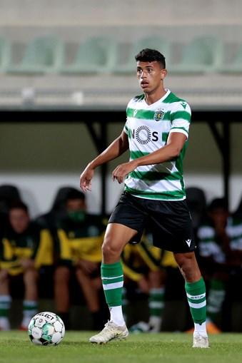Matheus Nunes manterá a titularidade no jogo de amanhã