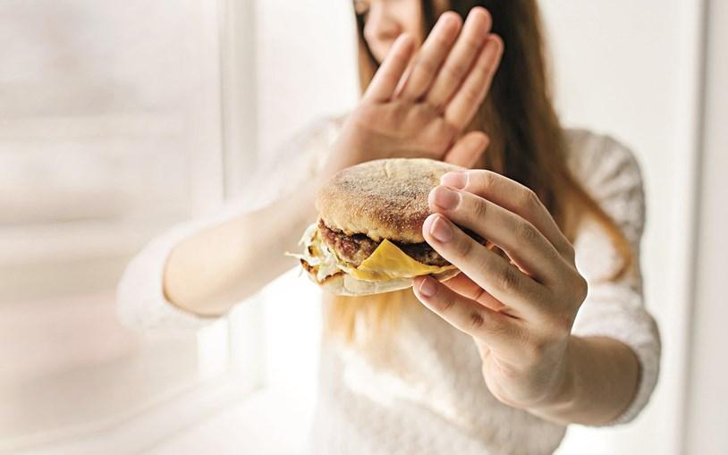 Muitos portugueses admitem ter aumentado o consumo de snacks doces e de petiscos durante o confinamento, alguns por causa do stress