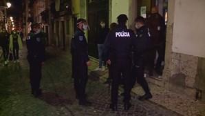 PSP faz operação de fiscalização no Bairro Alto em Lisboa