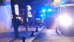 Homem passeia com cabeça de vizinho morto pelas ruas de Huelva em Espanha