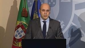 Ministro da Economia testa positivo à Covid-19 após contacto com ministro das Finanças infetado