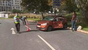 Acidente entre carros faz dois feridos no centro de Lisboa