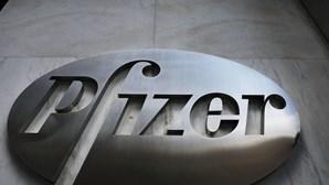 Administrador da Pfizer apela que não se reabram economias demasiado depressa