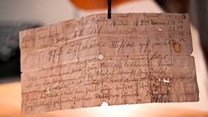 Mensagem com mais de 100 anos enviada por pombo-correio descoberta em França